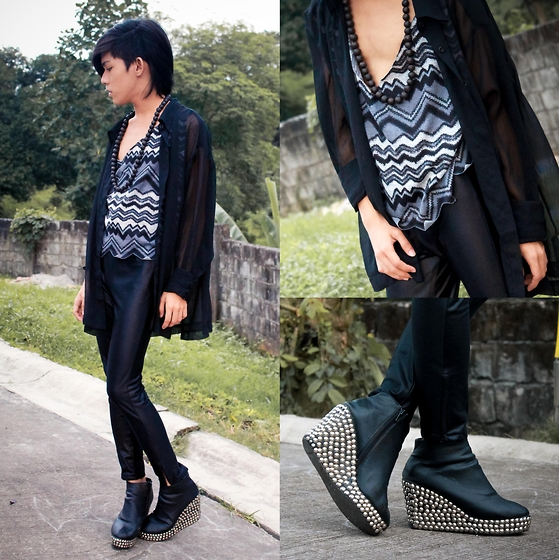 Brian Evalle - Brian Evalle Printed Tank Top, Brian Evalle Button Down Shirt, Brian Evalle Black Leggings - Tribal Rugs