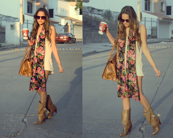 FATIMA PAYAN - Lob Shirt, Lob Bag, Pull & Bear Boots, Barroca Scarf - Bang bang you're dead