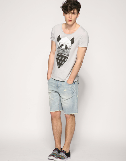 Oscar Spendrup - T Shirt, Shorts, Shoes - Love You Summer
