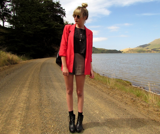 Amy Dunn - Thrifted Coral Blazer, Topshop Boots, Topshop Sunglasses, Highwaisted Shorts - Valerie