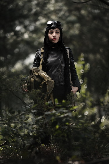 ☾  Nocticula Hekate ♆ - Cyber Goggles, Aviator Hat, Zara Leather Jacket, Vintage Turkish Military Bag, Vintage French Water Bottle - Post Apocalyptic Pilot from the Dystopic Future