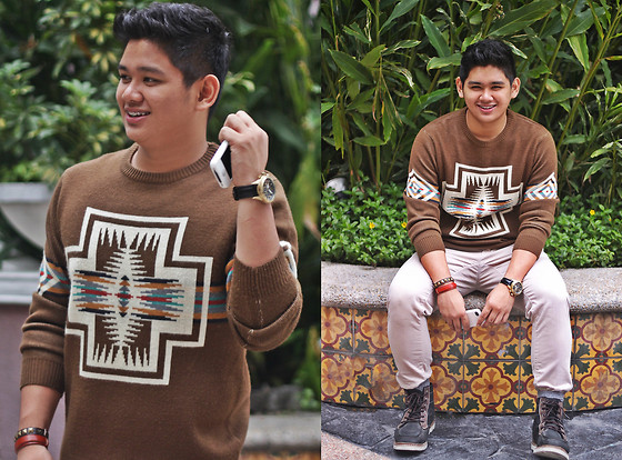 Xavier Cruz - Forever 21 Aztec Print Sweater, Boxfresh Boots, Fossil Black&Gold Watch, Leather And Studs, Zara Carrot Pants - Baby you light up my world like nobody else!