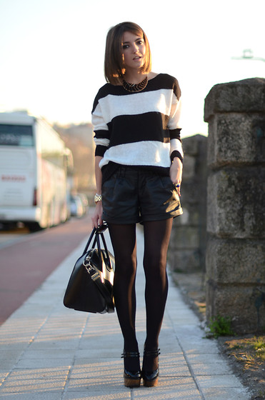 Alexandra Per - Blanco Sweater, Romwe Shorts, Givenchy Bag, Jessica Simpson Pumps - Stripes on the street