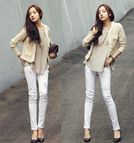 Becky Baek - Tweed Jacket, Beige Loose Fit T Shirts, Vintage Pants - Casual chic