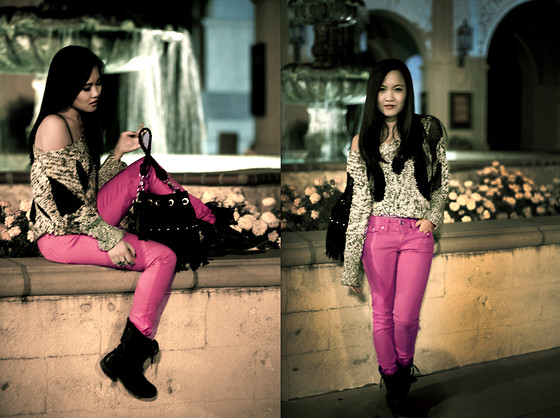 Youtube.com/lilgrlbigworld <--Fashion Tutorials! - Cinema Off The Shoulder Black And White Knit Sweater, Milkway Jeans Hot Pink Denim, Steve Madden Troopa Boot, Nasty Gal Fringe Purse - Cowgirl