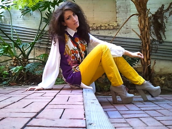 Amanda Christine W - Cheap Monday Yellow Jeans, Sugar Lips Silk Flower Top, Lf Sheer Xl Button Up - PARADISE