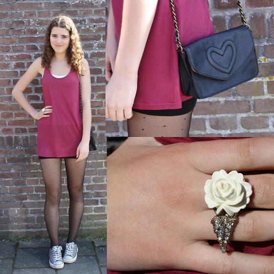 Janine De Bart - Converse All Stars, Primark Ring, H&M Top, H&M Tights, Six Bag - Dotted tights