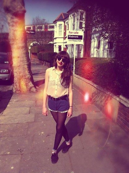 Amy-Rose W - Topshop Skull Bralet, Topshop American Flag Socks - Voice Of An Old Friend