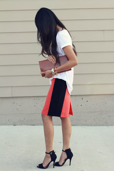 Megan Rose - Zara T Shirt, Pencil Skirt, Zara Sandals - Pencil you in.
