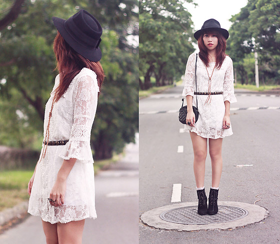 Linda Tran N - Lace Dress - White lace