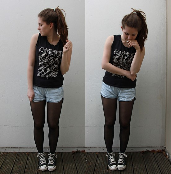 Natascha C - H&M Sleeveless Shirt, H&M Denim Colour Shorts, Converse High Tops - Verdammt, wir sind die geilste Gang der Stadt!