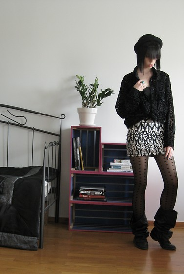 Elina Laakso - Second Hand Blouse, Jc Ring, H&M Tights - You'll never see me because I'm always alone