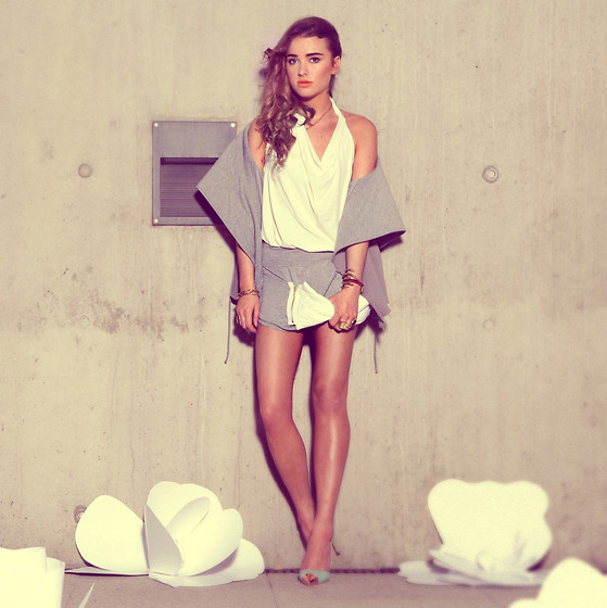Juliett Kuczynska -  - Kings of Leon - Use Somebody (RAC Remix) / maffashion