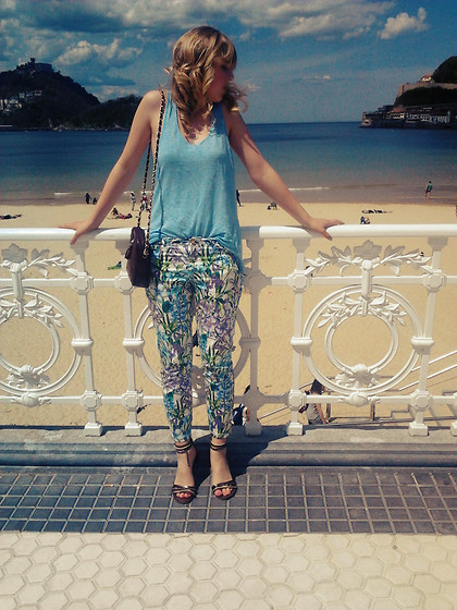 Amaia RJ -  - So IN LOVE with my new pants <3