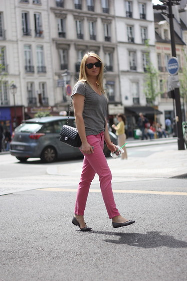 EMILIE HIGLE - Zadig&Voltaire Tee, Zara Trousers, Chanel Bag, Chanel Flats - A HINT OF SUMMER