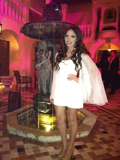 Daniela Ramirez - Vintage Dress, Bebe Shoes - VAULT magazine launch at the VERSACE MANSION!