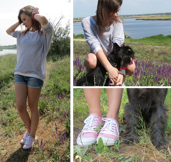 Svitlana L - H&M Sweater, H&M Necklace, Marni Bracelets, Mango Shorts - Walking with my crazy dog)))