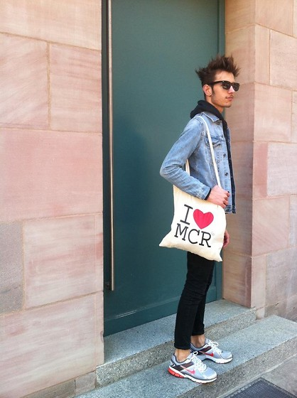 O W11 - Nike Shoes, Cheap Monday Jeans, H&M Denim Jacket, Uniqlo Sweatshirt, Mcr Souvenir Shop Bag - Safety dance