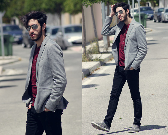 Manu Calvo - Zara Grey Blazer, Ray Ban Aviator, H&M Shirt, Topman Black Jeans, Blanco Grey Plimsolls - How soon is now?