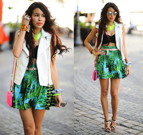 Tamara Gonzalez Perea -  - NEON jungle!