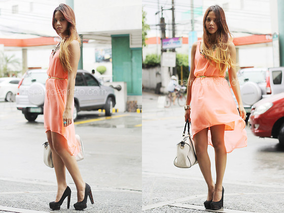 Patricia Prieto - Mango Dress, Nava Belt, Gucci Bag, Topshop Pumps - Fluorescent