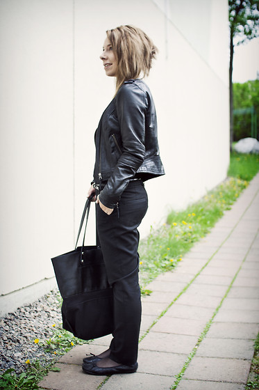 Maria Morri - Filippa K Cool Wool Trousers, Selected Leather Jacket, Selected Canvas And Leather Bag - Cool Wool