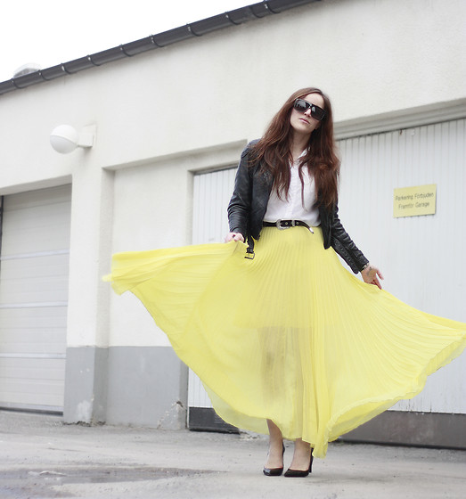 Therez Hahlin - Acne Studios Biker Jacket, H&M Blouse, Jovonna Maxi Skirt - The sun is always shining in my heart