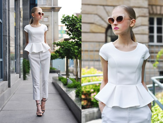 Dominica Justyna - River Island Peplum Top, Zara Trousers - Total white look.-movesfashion.