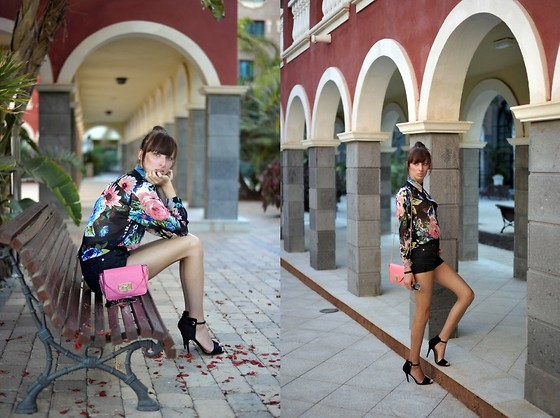 Caroline G - H&M Floral Shirt, H&M Black Shorts, Zara Heeled Sandals, Mohito Bag - Call my name