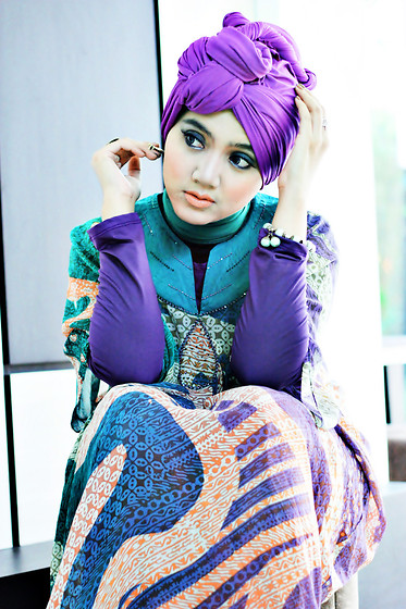 Denisya Zabidie - Paradiso Purple Cotton Shawl, Paradiso Batik Abaayaa, Rbb Blue Ethnic, Paradiso P Purple - Thingking of yOu