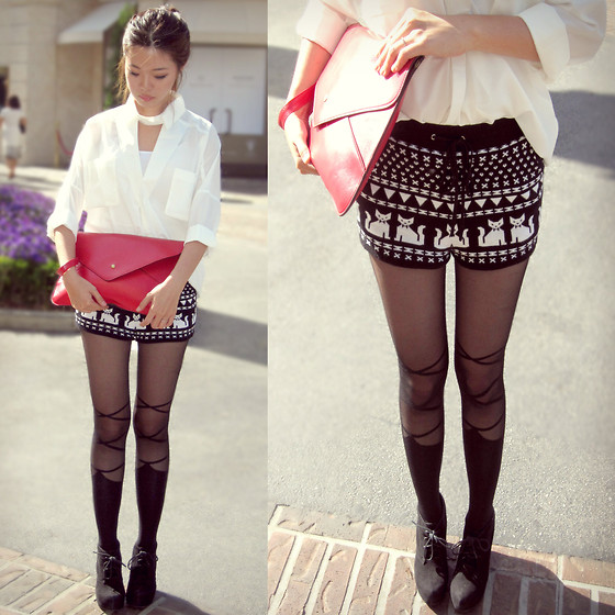 Bee S - Red Envelope Clutch, Blouse, Tights - Meow