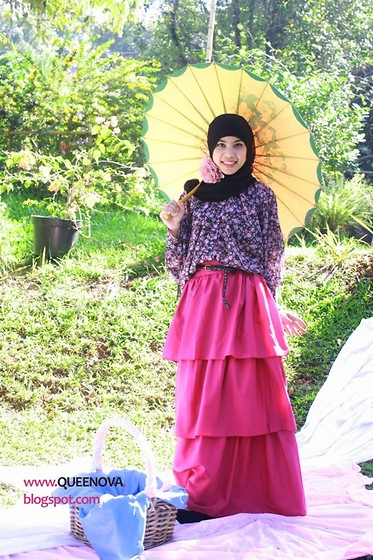 Nova Fatmawati - Queenaya Japan Piled Skirt, Queenaya Flowery Top - Garden Party style for Hijabers