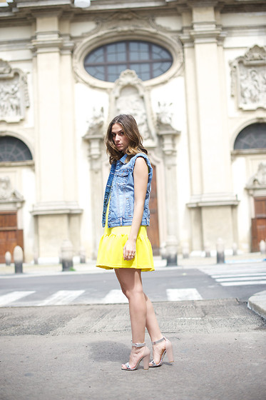 Erika Boldrin - Silvian Heach Gilet, Three Floor Yellow Dress, Giuseppe Zanotti Silver Heels - Three Floor