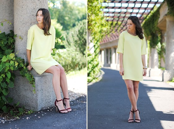 Patrycja R -  - BRIGHT YELLOW DRESS