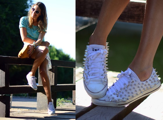 Mireia MDS - Converse Diy Studded Sneakers - AT THE LAKE