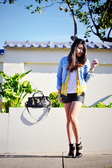 Karen - Topshop Denim Jacket, Romwe Blouse, Rag & Bone Portobello Leather Shorts, Alexander Wang Danica, Prada Bag - Sunshine.
