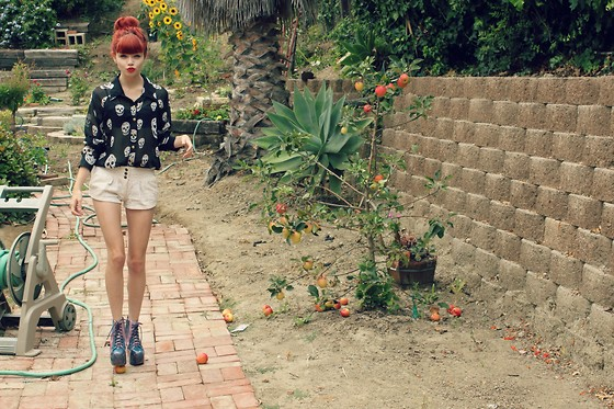 Zoe Belle Elyse - Jeffrey Campbell Galaxy Lita, Tobi Cranium Shirt - Marry me darling, can we please run away