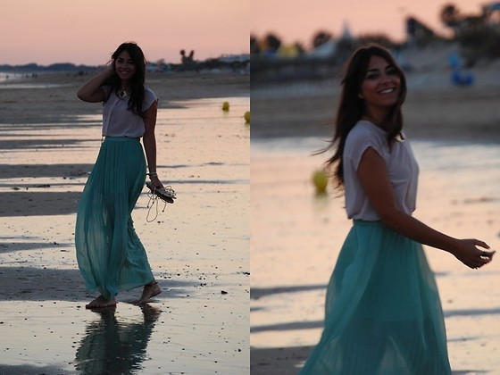 Laura Montilla - Parfois Necklace, Pull & Bear Skirt - Mint sunset