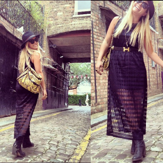 Cassandra De La Vega - Stella Mccartney Bag, Vintage Hat, River Island Dress, Hermës Belt, Céline Sunnies - At Notting Hill with instagram