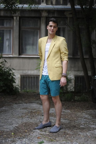Vitezslav I. - H&M Shorts, Vintage Jacket, H&M Bracelets, Gant Loafers - Green and yellow