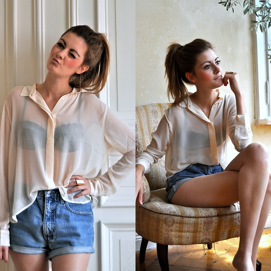 Julia L. - Weekday Blouse, Levi's® Shorts - We Never Change