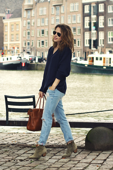 Christine R. - Mulberry Bayswater Bag, Ray Ban Sunglasses, Isabel Marant Dicker Boots - Any random day
