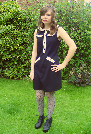 Abbie P - Boutique Dress, Tights, Ebay (China!) Shoes - 60's FLORAL