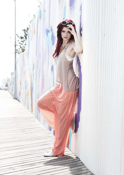 Susan Coffey - Zara Pink, Zara Sea Gray, Vans Vanswhite - YOU TURN THE LIGHTS ON