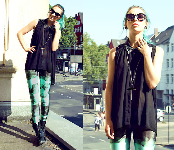 Masha Sedgwick - Leggins, Ring, Earring, Cross Necklace, Dr. Martens Boots, Vero Moda Shirt - YOU'RE SO LOVELY, SALLY