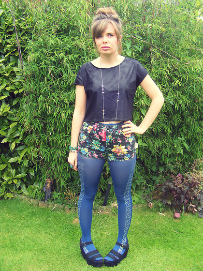 Abbie P - H&M Top, Topshop Shorts, Tights, Jane Norman But Ebay Shoes - RED OR DEAD