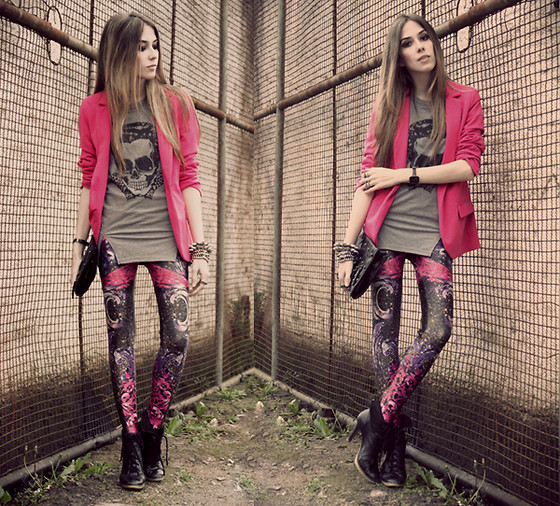 Flávia Desgranges van der Linden - Labellamafia Legging, Romwe T Shirt - .into my blood.
