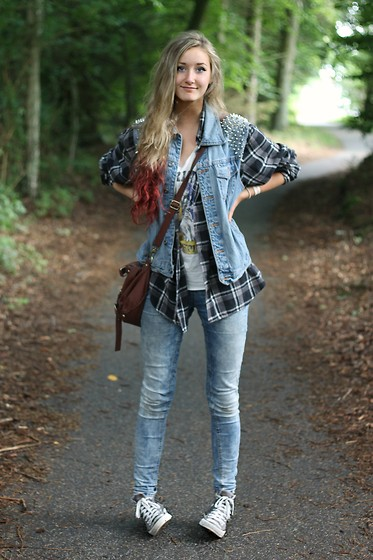 Ingrid Midtbø - The Ragged Priest Nagled Vest, Converse Gray, Gina Tricot Jeans - Me - nothing more, nothing less.