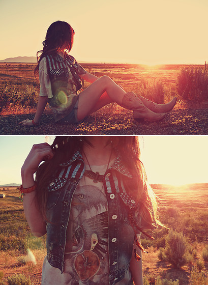 Ashlei Louise . - Durango Boots, Romwe American Flag Vest, Shop Lately Eagle Necklace, Shop Lately Friendship Bracelet, Os Accessories Birdskull Necklace - The desert had turned to sea