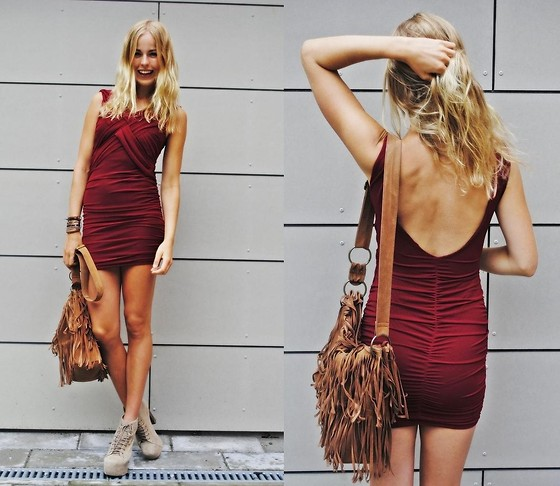 Frida Johnson - Bought In Toronto Dress, Bianco Bag - BURGUNDY <3